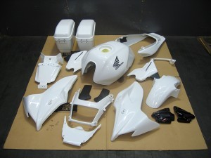 CB1300白バイ塗装オールペイント