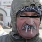 おじさんが凍っている