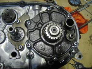 JT1 エンジン分解 ロータリーバルブ部分