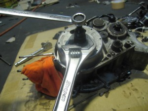 JT1 エンジン分解 特殊工具ローター取り外し