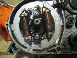 JT1 エンジン分解 ダイナモ取り外し