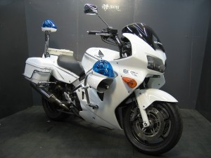VFR800白バイレプリカ!